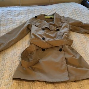 Lands' End khaki, double-breasted trench coat with tortoise buttons. XS